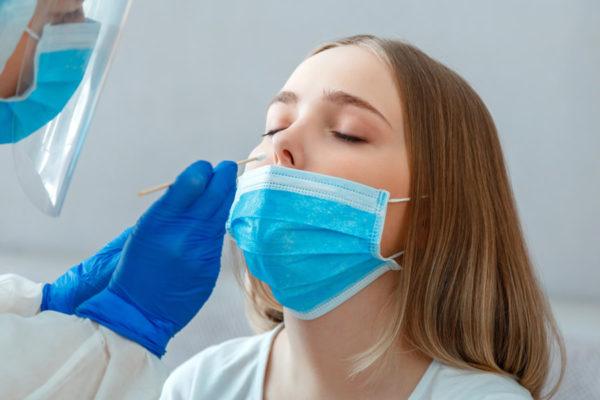 Pérdida de olfato, entre los síntomas del Covid persistente