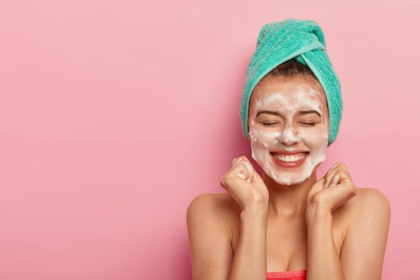 Adiós a los granos, 5 consejos para la piel acnéica