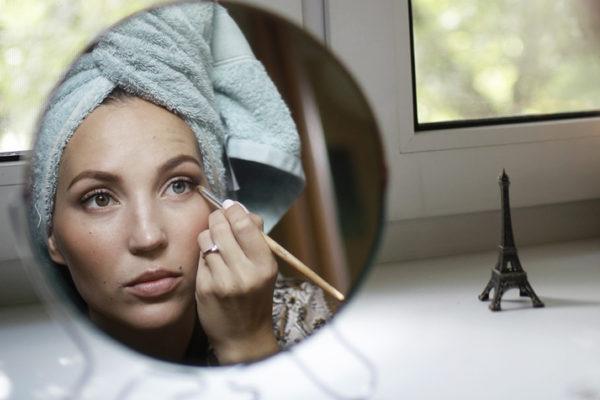 ¿Maquillaje en gel y en spray? Dos alternativas para disimular las manchas blancas